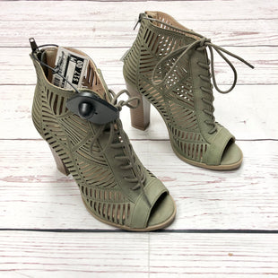 Primary Photo - BRAND: MIX NO 6 STYLE: SHOES HIGH HEEL COLOR: OLIVE SIZE: 7 SKU: 116-116147-911