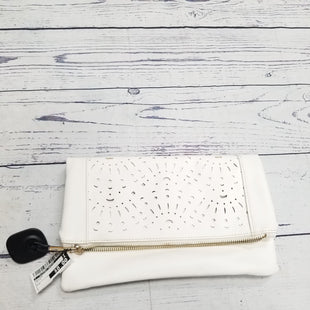Primary Photo - BRAND:    CLOTHES MENTOR STYLE: CLUTCH COLOR: WHITE SKU: 116-116141-4579