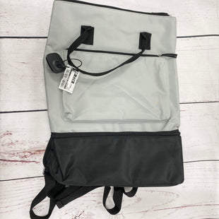 Primary Photo - BRAND:    CLOTHES MENTOR STYLE: BACKPACK COLOR: GREY SIZE: MEDIUM OTHER INFO: DSW - SKU: 116-116134-6765