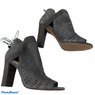 Primary Photo - BRAND: VINCE CAMUTO STYLE: SANDALS HIGH COLOR: GREY SIZE: 6.5 OTHER INFO: NWOT SKU: 116-116140-11361