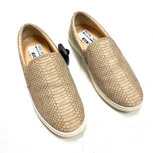 Primary Photo - BRAND:    DNASTYLE: SHOES FLATS COLOR: TAN SIZE: 8 SKU: 116-116126-34914