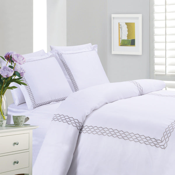 Drazzel 4 Piece Bedding set