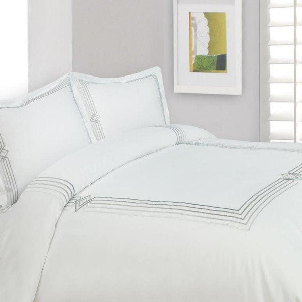 Ritz 4 Piece Bedding set