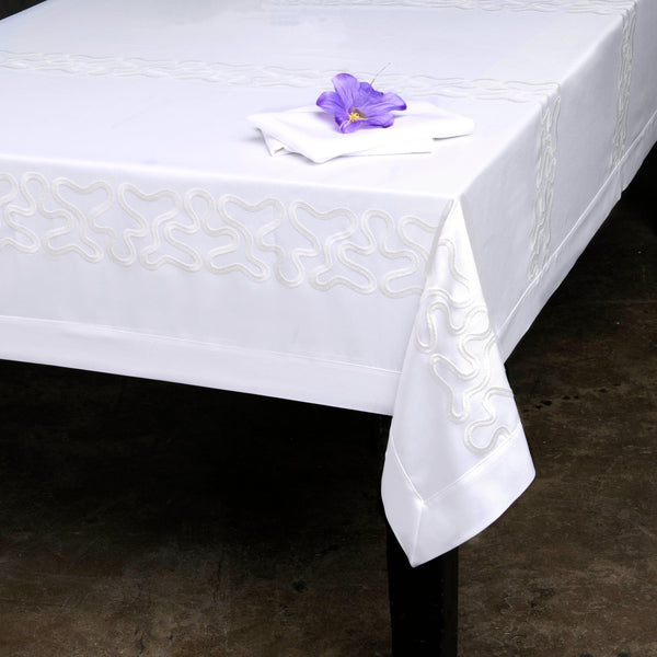 Swiss Collection Pinnacle Loft Spill Proof Tablecloth