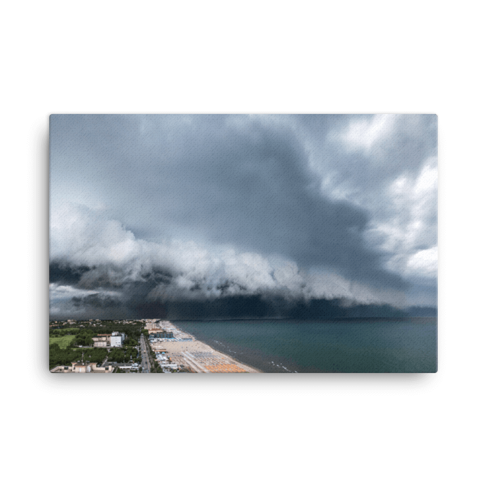 The arrival of the shelf cloud by Francesco Gennari