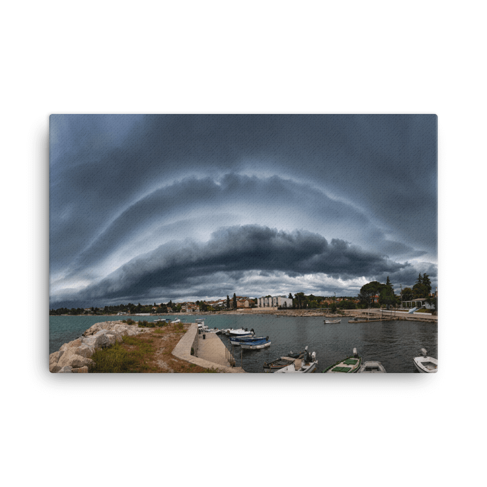 Shelf cloud over N Adriatic