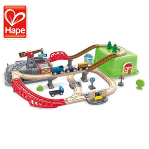 Hape 3764 Railway Bucket Builder Set, Wooden Toy Suitable For 3 Years and Above Children