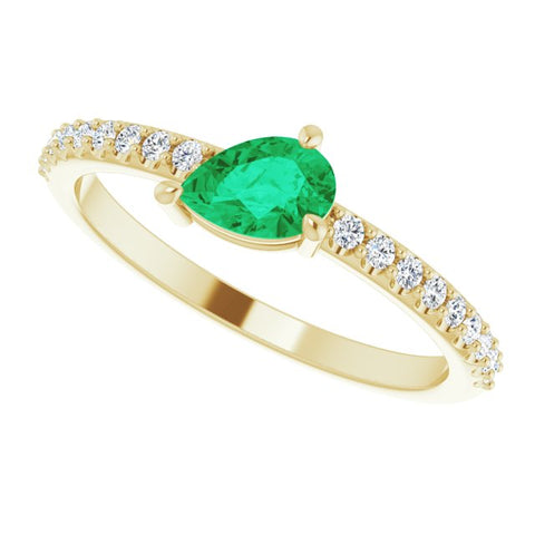 Emerald & Diamond Ring 1/6 ctw - 14K Yellow Gold