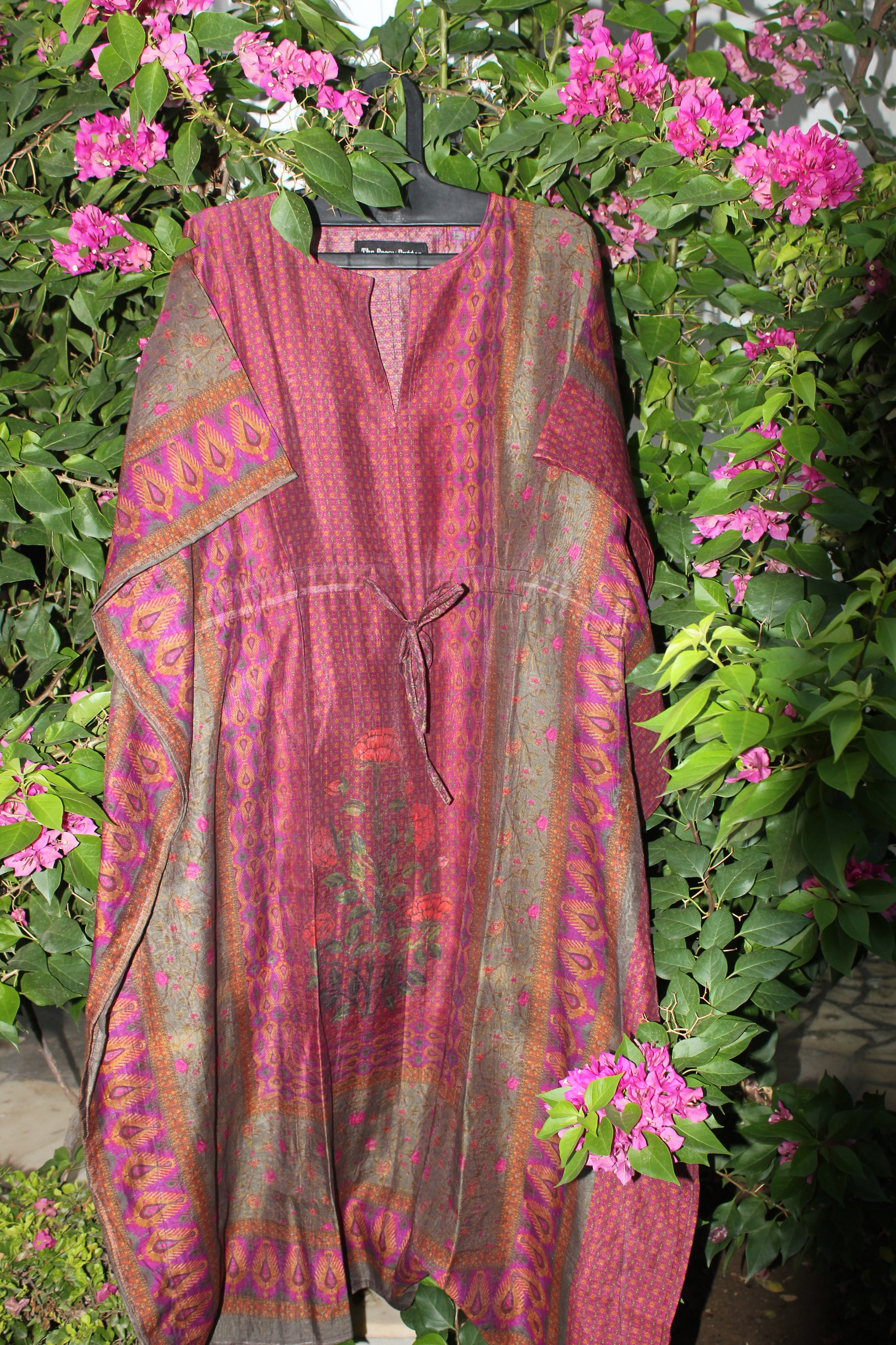 Pink Cotton Kaftan With Centre Motif