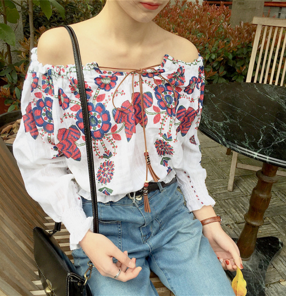 The new word of the word collar strapless embroidery floral long-sleeved shirt