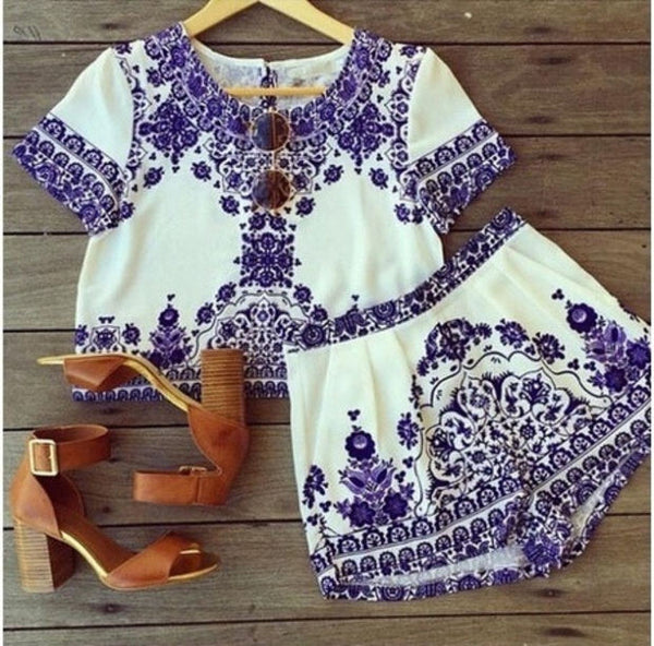 Two Pieces Blue and White Porcelain Crop Top Shorts Elastic Waist Pockets Set PH = 5699120001