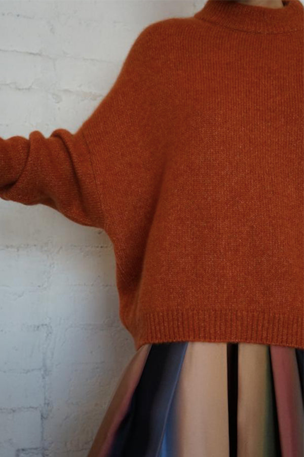 Regular Round Neck Sweater