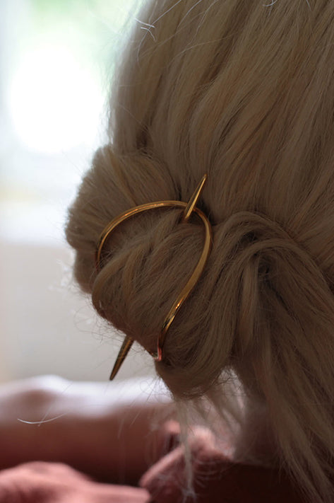 Lunula Hair Bun with Post