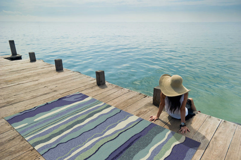 "7'6"" x 9'6"" UV-treated Polypropylene Ocean Area Rug"