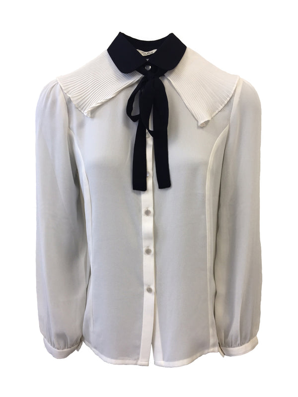 CONTRAST NECK TIE PLEATED BLOUSE.