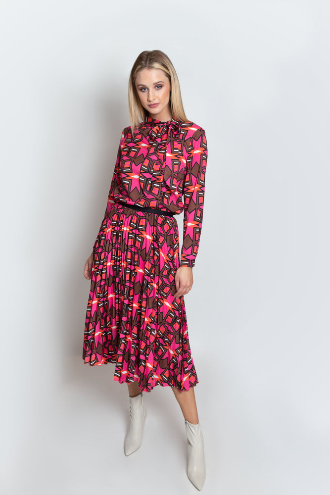 Strike a Pose Print Pleated Skirt
