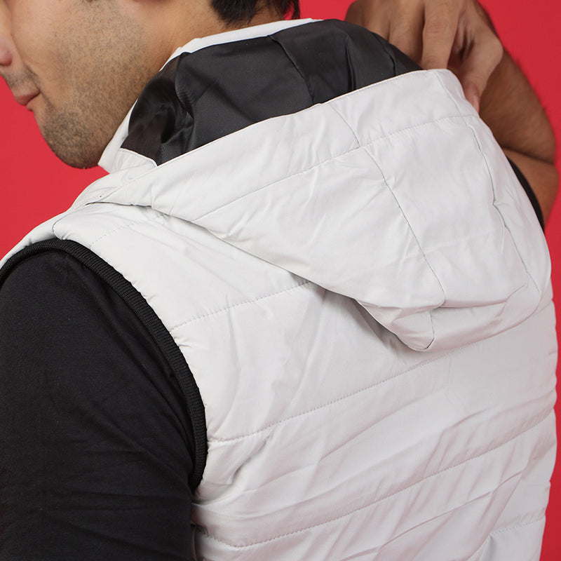 WHITE SLEEVELESS PUFFER JACKET