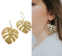 Load image into Gallery viewer, Monstera Earrings
