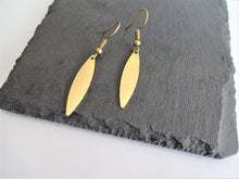 Load image into Gallery viewer, mini leaf earrings