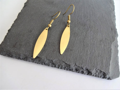 mini leaf earrings
