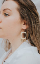 Load image into Gallery viewer, gold statement earrings
