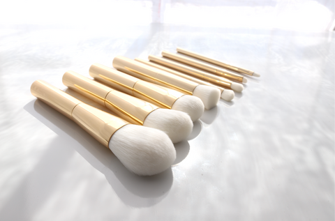 luxury gold makeup brush set by forde and handy