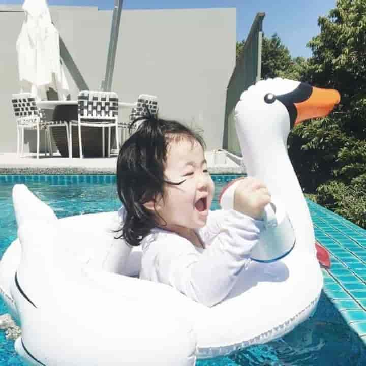 Kids Giant Rideable Swan Inflatable Pool Float - mybabyflame
