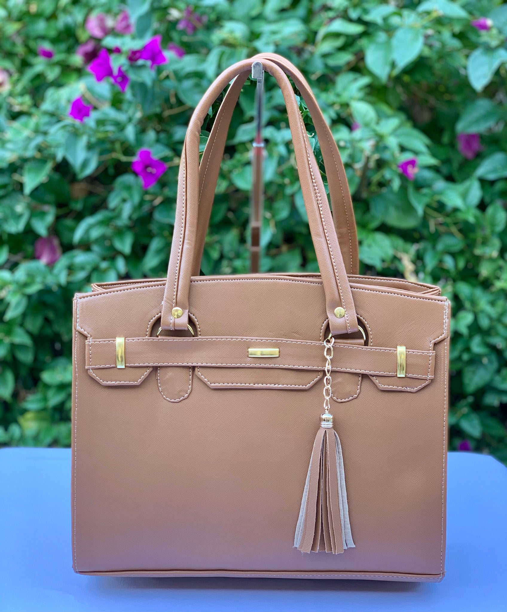 BETTY STRUCTURED HANDBAG- CAMEL