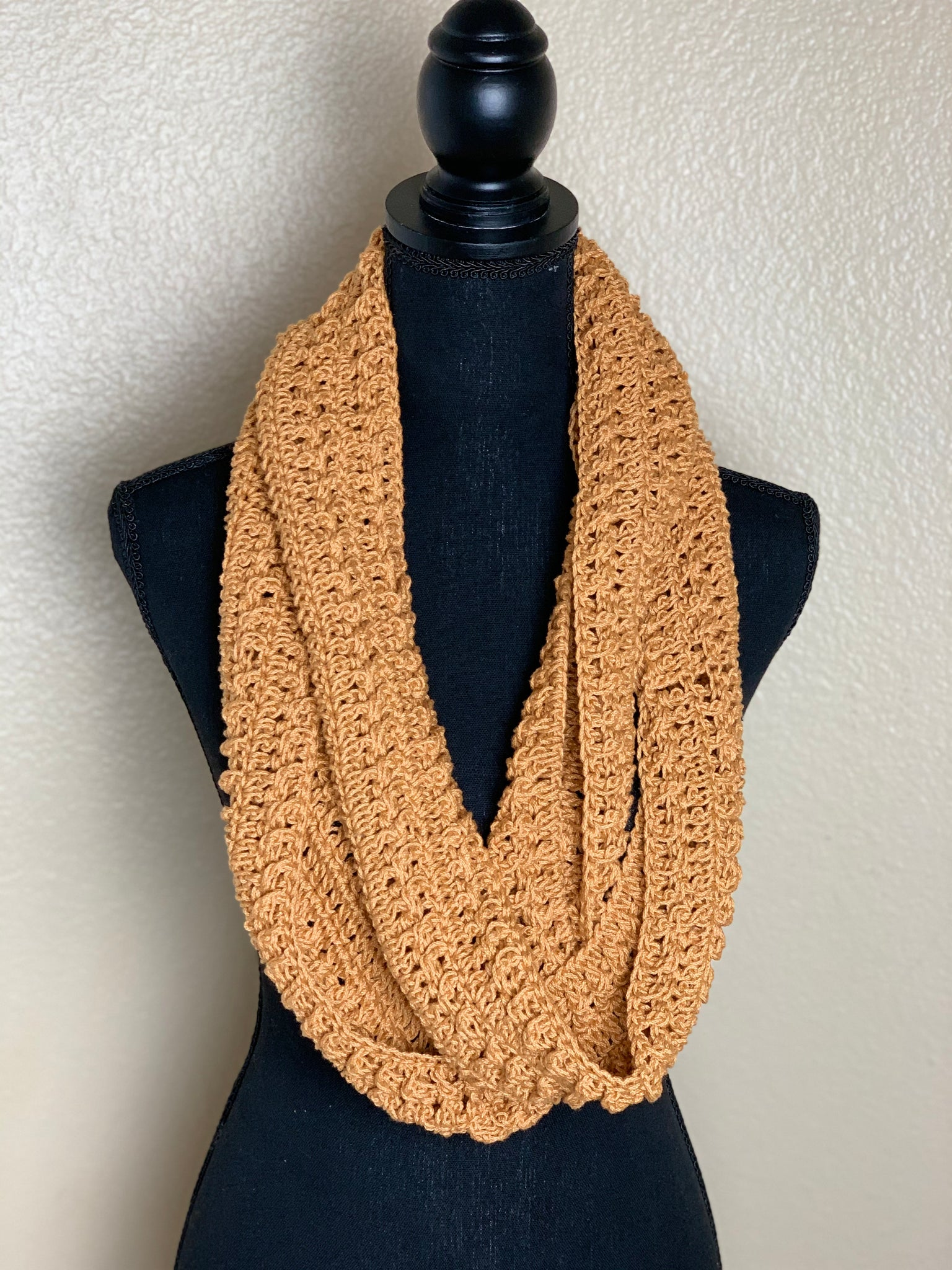 CROCHET INFINITY SCARF- BURNT ORANGE