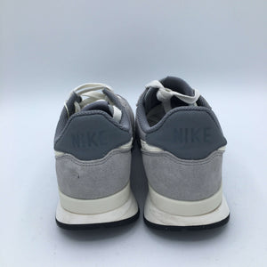 Internationalist Grey