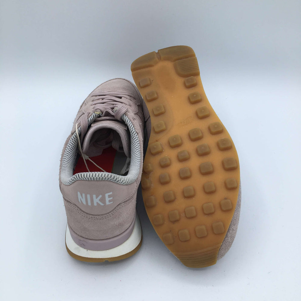 Wmns Internationalist SE