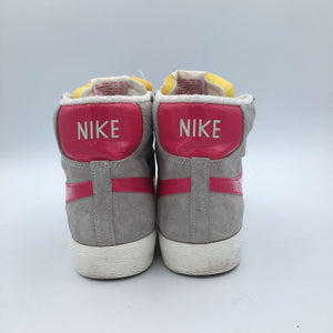 Wmns Blazer Mid Suede Vintage 'Light grey/Raspberry'