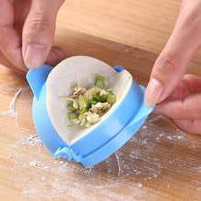 Load image into Gallery viewer, 3pcsKitchen Tool DIY Dumpling Dumpling Maker Easy Dumpling Mold Kitchen Tool High Quality Dumpling Mold Clips Kitchen Accessories