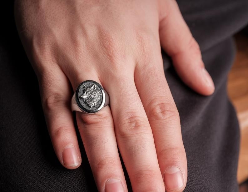 Silver Oval Wolf Ring Men's Wolf Ring Viking Wild Wolf Ring Wolf Head Ring 316L Stainless Steel Ring Men's Viking Jewelry