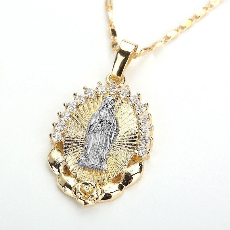 1Pc 18k Gold Plated Blessed Catholic Virgin Mary Pendant Necklace Fashion Crystal Rhinestone Retro Rose Pattern Oval Religious Prayer Necklace Party Jewelry Gift