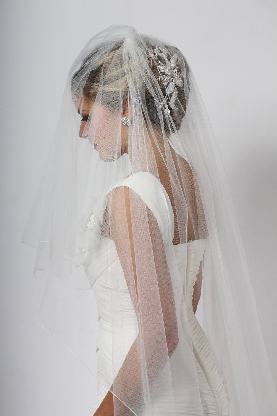 Bridal Apparel Fine Edge Veil || CGCAF001