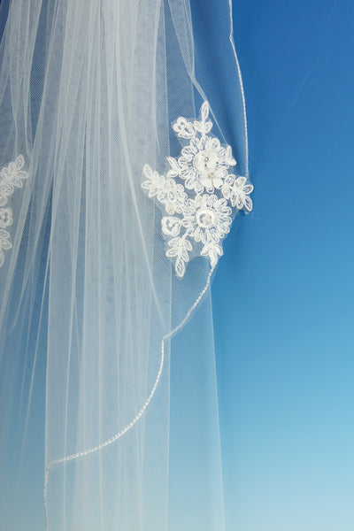 Bridal Apparel Lace Applique Single Tier Veil || CGC464A