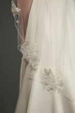 Load image into Gallery viewer, Bridal Apparel Floral Appliqué Veil || CGC521A