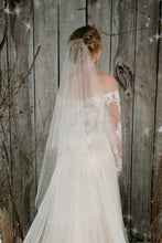 Load image into Gallery viewer, Bridal Apparel Pearl Cascade Veil || CGC564B