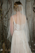 Load image into Gallery viewer, Bridal Apparel Genuine Pearl and Diamante Veil || CGC566A