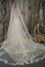 Load image into Gallery viewer, Bridal Apparel Statement Lace Veil || CGC568B