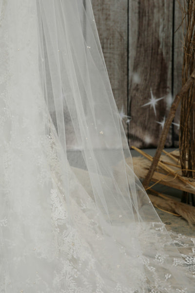 Bridal Apparel Genuine Pearl Scatter Veil || CGC569C
