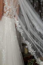 Load image into Gallery viewer, Bridal Apparel Delicate Sequinned Lace Veil || CGC574C