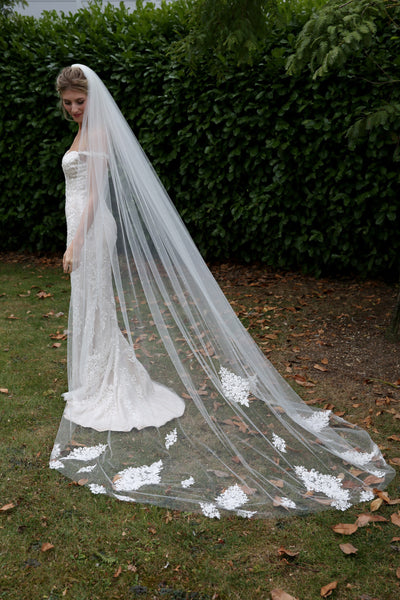 Bridal Apparel Lace Train Veil with Pearl || CGC575B