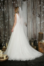 Load image into Gallery viewer, Bridal Apparel Glitter Tulle Vei || CGC577A