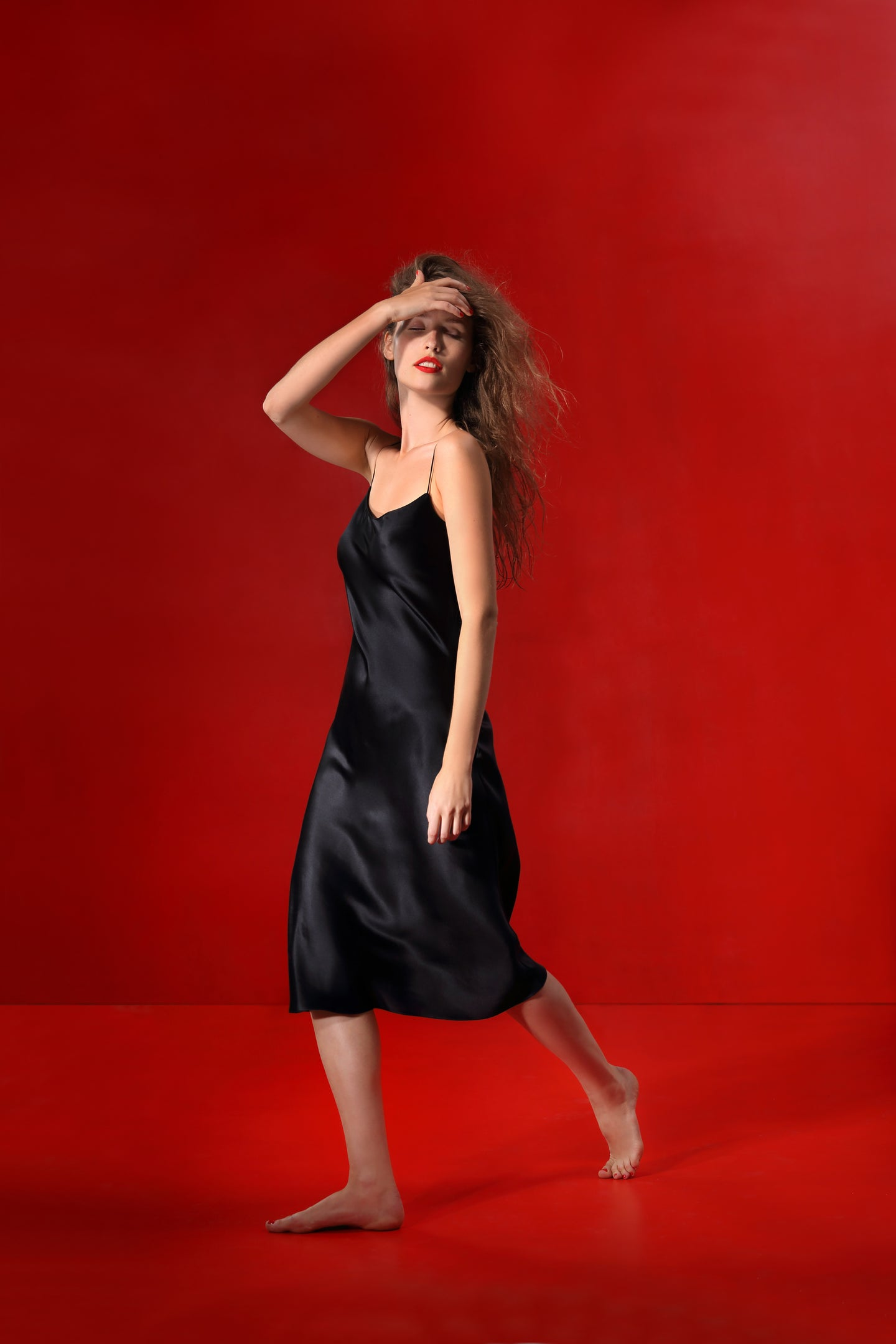 Birkin bias-cut silk dress with a belt - coal
