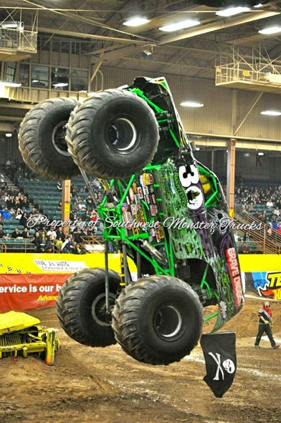 Grave Digger 30th Anniversary (Wheelie Contest) Monster Truck Photo or Poster