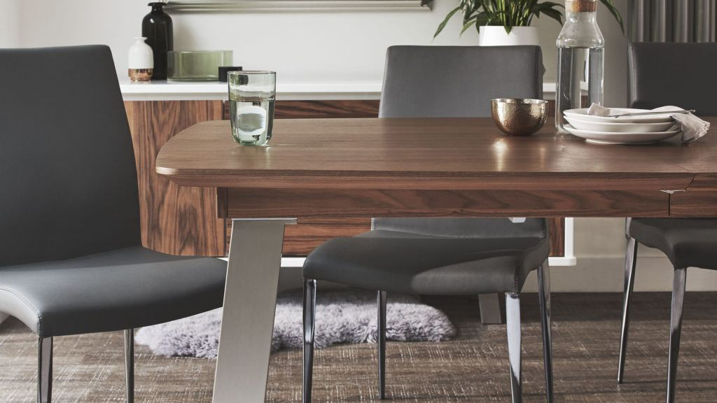High Gloss or Wood Veneer? How to Choose the Right Finish for your Furniture