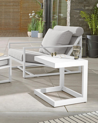 Looking for a small garden coffee table? The Lago is compact and lightweight