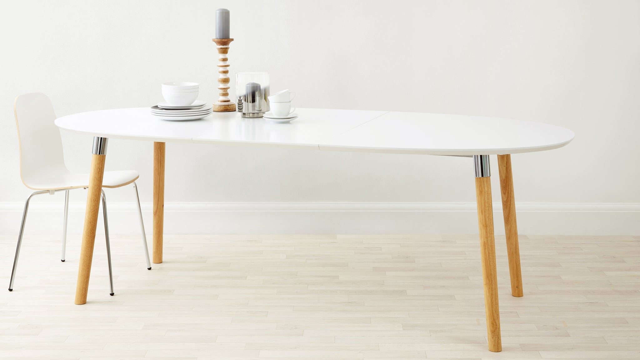 Luka Matt White Extending Dining Table